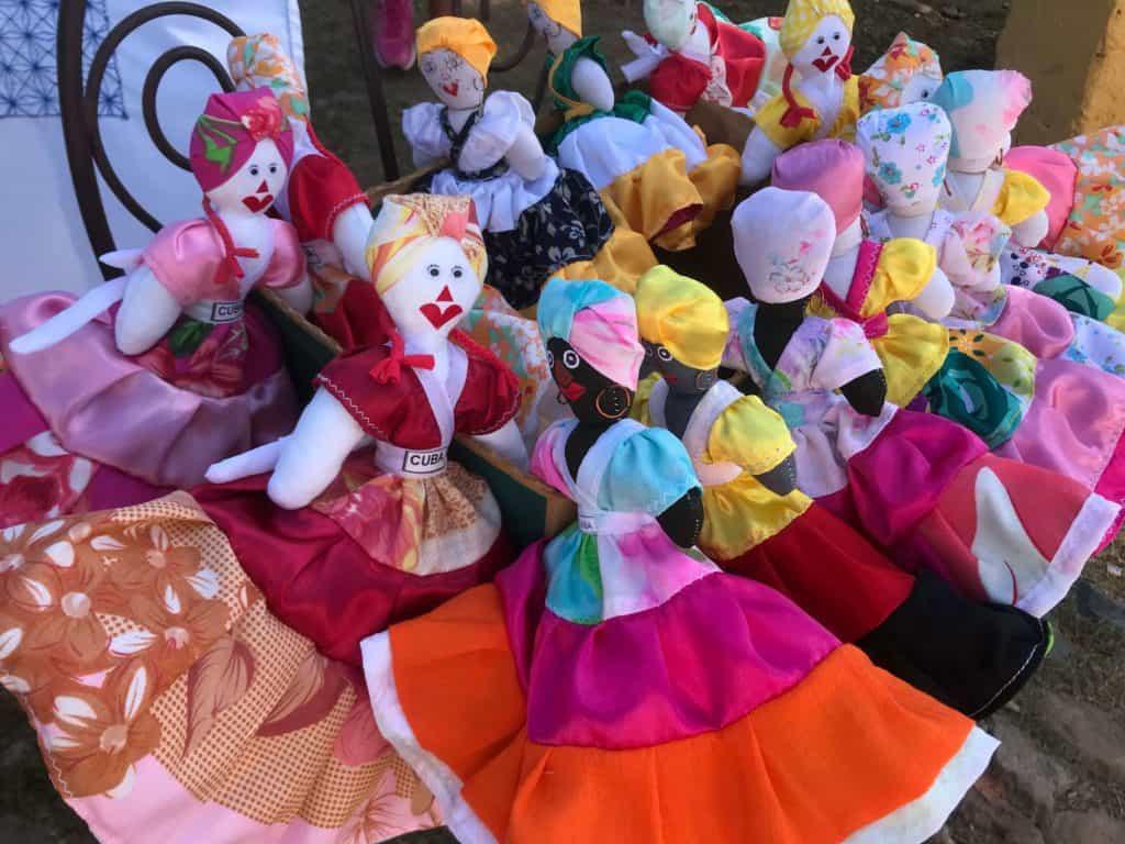 Turnaround dolls - Cuba