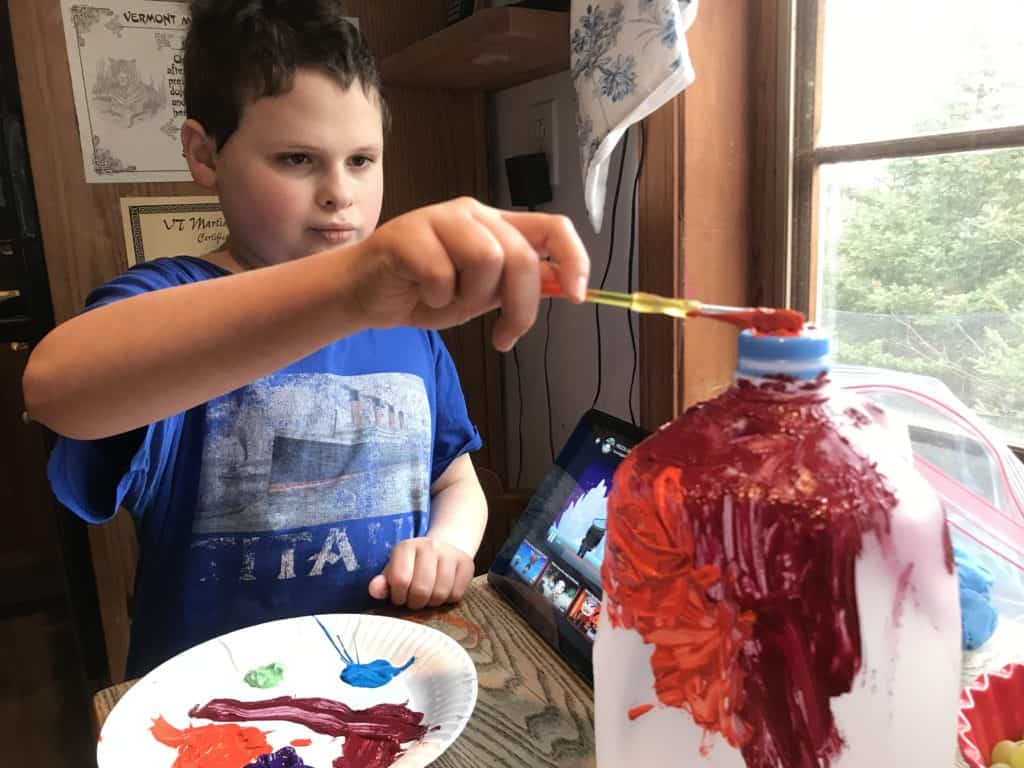 paint your recyclable bird feeder